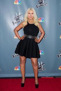 [Fotos+Videos] Christina Aguilera en la Premier de la 4ta Temporada de The Voice 2013 - Página 4 Th_985910245_Christina_Aguilera_40_122_154lo