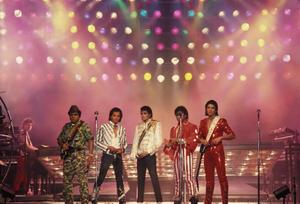 1984 VICTORY TOUR  Th_754127964_7030081447_2a207b8337_b_122_184lo