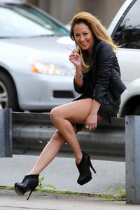 http://img7.imagevenue.com/loc471/th_015942915_AdrienneBailon_PhotoshootSet_Upskirt_October2012_12_122_471lo.jpg