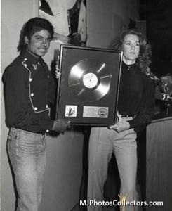 1983 Thriller Certified Platinum Th_947906298_med_gallery_8_119_1375493_122_473lo