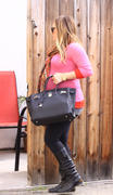 http://img7.imagevenue.com/loc545/th_833934936_Hilary_Duff_leaving_the_doctors_office12_122_545lo.jpg