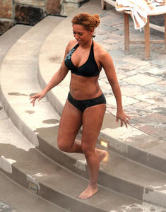 Мелани Браун, фото 11. Melanie Brown Bikini in Park City Utah - January 18, 2011, photo 11