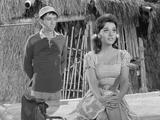 Dawn Wells Gotta wonder what Mary Ann and Gilligan were up to 'behind the scenes'.... Foto 5 (Доун Уэллс Gotta Интересно, что Мэри-Энн и Гиллиган было до 'За сценой '.... Фото 5)